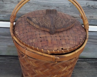 Vintage Wicker basket with lid / bird basket / upcycle / repurpose / handle / storage / woven / tall basket / removable lid / carved bird