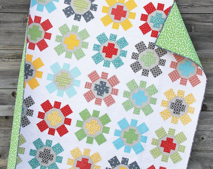 """Spin Cycle Quilt Pattern by Cluck Cluck Sew - Super FUN Fat Quarter Pattern - 75"""" x 75"""" (W4)"""