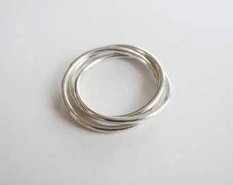 Sterling silver Trinity ring - 3 loops intertwined