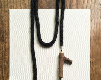 Knitted Necklace -black-