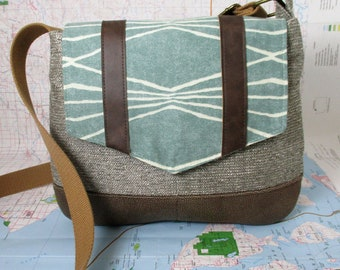 Colorado. Crossbody messenger bag - Southwestern purse - Tribal - Geometric - Vegan purse- Travel bag- Tweed - Mint - Medium - Made to Order