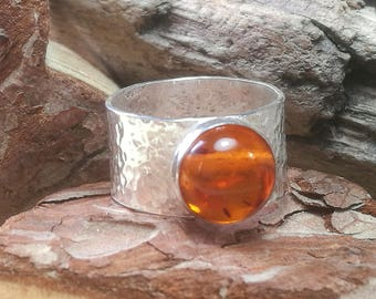 Sterling Silver Amber Hammered Band Ring