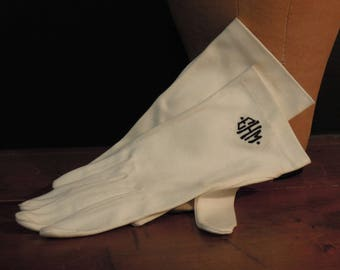 Vintage Stetson White Cotton Gloves / Monogrammed EHM / Wedding Gloves / Bride's Maid's Gloves / Wrist Length Gloves / Sunday Gloves