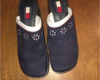 Vintage Tommy Hilfiger Blue Suede Clogs with Daisy Cut Out Detail - Size 7 1/2M