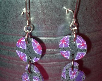 Small disc and heart earrings