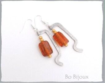 Aluminum metal pearl earrings in amber glass