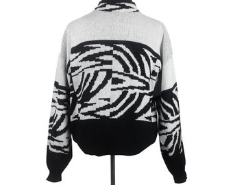 Black and White Sweater - Size Medium / vintage womens clothing 80s geometric abstract patterned striped monochrome thick heavy winter top