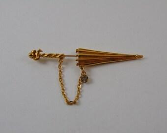 Vintage Signed CELEBRITY Parasol Umbrella Gold tone with 1 Rhinestone Scarf Jabot Pin