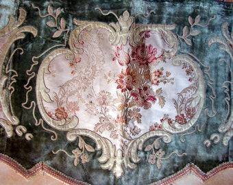 Valance Lambrequin XIX  French antique Velvet Silk And Embroidery
