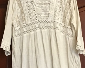 Vintage night gown cotton and lace .