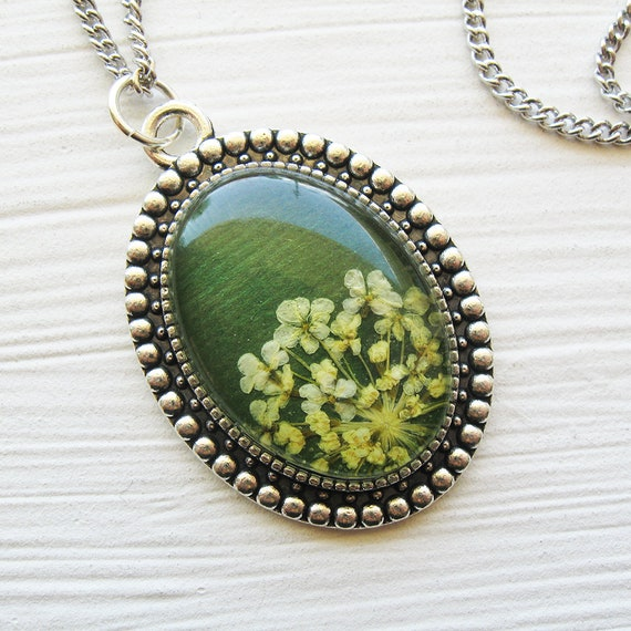 Real Pressed Flower Necklace - Green Queen Anne's Lace Botanical Oval Necklace