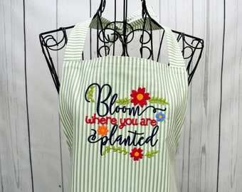 Ladies Garden Apron, Embroidered Apron, Gift for Gardner, Gardening Gift, Shabby Chic Apron, Apron with Pockets, Farm Apron for Mom
