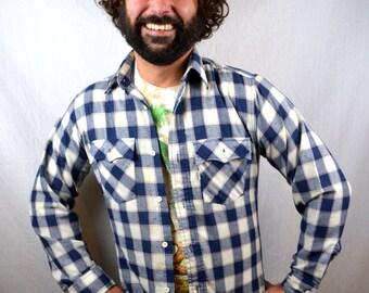 Vintage Levis Plaid Button Up Shirt