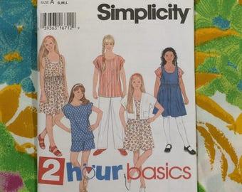 Girls Short Set Pattern / Simplicity 9469 / Vintage Girls Top and Shorts Pattern / Vintage Pattern / 2 Hour Basics Pattern