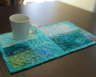 Quilted Mug Rug Modern Placemat Mini Turquoise Quilt Fiber Art Quilt Modern Home Decor Quilted Small Art Office Snack Lunch Coffee Tea Mat