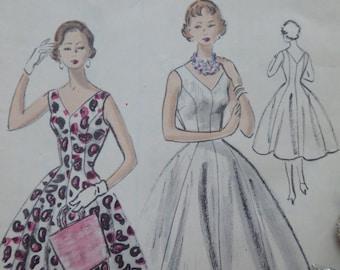 1954 Vintage Vogue Sewing Pattern, 3562, Sleeveless Vogue Princesse Dress Pattern, 1950's Vogue Sewing Pattern. Vogue 1950's Pattern. Uncut.