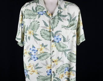 Vintage Hawaiian print shirt philodendron hibiscus rayon short sleeve size XL chest 50 La Cabana Made in Macau