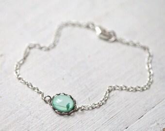 Bird bracelet, Gift for mom, Dainty bracelet, Mint bracelet, Tiny bracelet, Dainty silver bracelet, Bird charm bracelet, Tiny bird bracelet
