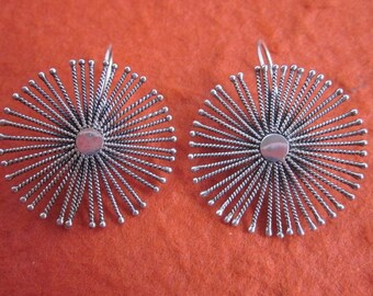 Balinese sterling silver star Earrings / silver 925 / Bali handmade jewelry / 1.40 inch / (#101m)