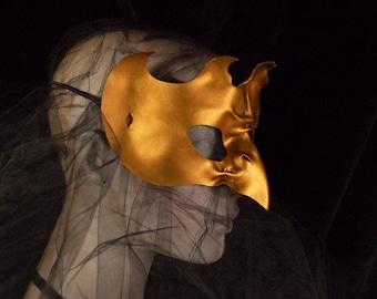 Leather bird mask gold owl