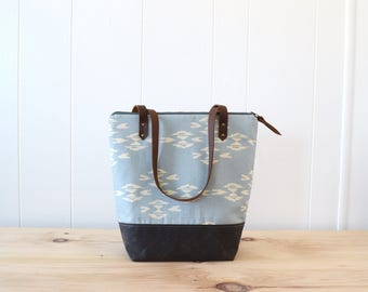 Zipper Tote Bag in Overshot Canvas with Waxed Canvas