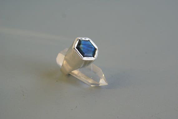 Hollow Hexa ring - Labradorite