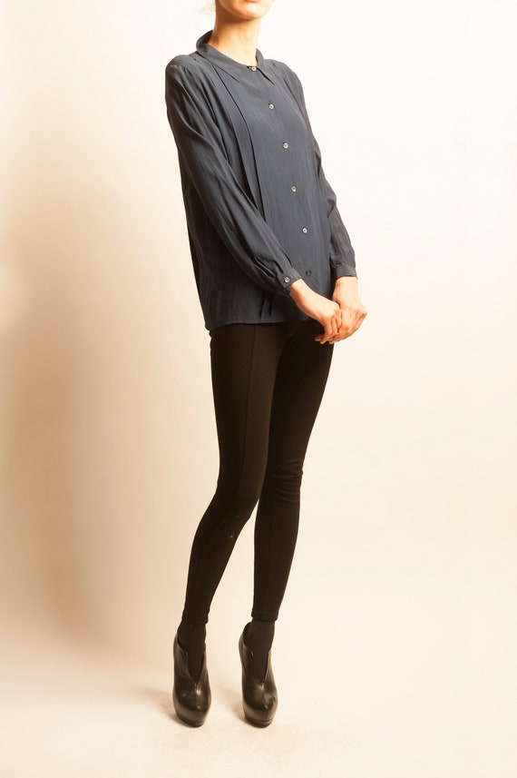 Guy Laroche simple navy silk blouse