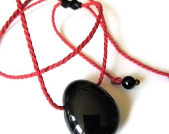Pendentif avec Onyx Noire fait main avec pierre naturelle