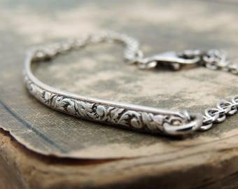 Sterling Silver Bracelet - Minimalist Bracelet - Minimalist Jewelry - Narrow Bracelet - Scroll Pattern Bracelet - Dainty Chain Bracelet -