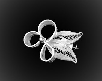 Brooch embroidered silver spiral pendant