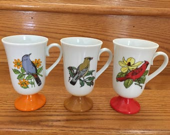 Vintage Retro 1970s Fred Roberts Bird Pedestal Mugs or Cups in Red, Orange, and Brown