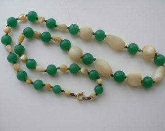 Vintage MOP and jade glass beaded necklace