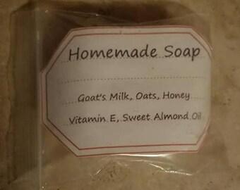 Homemade Soap: Goat's Milk, Oats, Honey, Vitamin E, Sweet Almond Oil