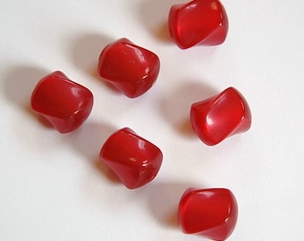 Vintage Red Lucite Moonglow Twist Nugget Beads bds186A