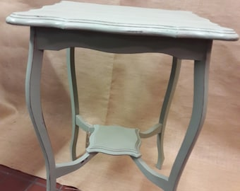 Antique, shabby chic,  sidetable