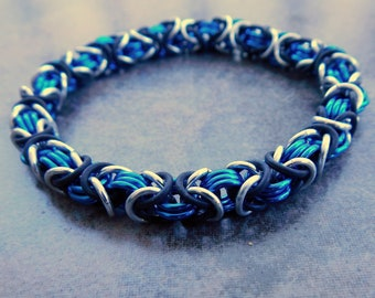Anodized Aluminum Chainmail Stretch Bracelet - Blue Chainmaille Byzantine Bracelet - Chainmail Jewelry