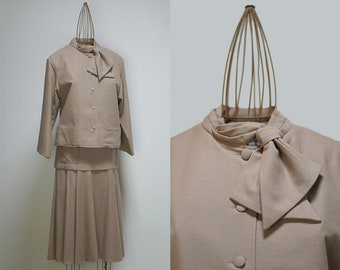 Rinfinitf vintage wool jacket and skirt 1940s style