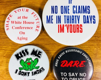 Buttons/ Pins 4pc
