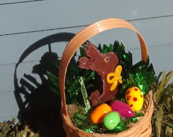 A dollhouse Easter basket with chocolate bunny and colored eggs 1:12