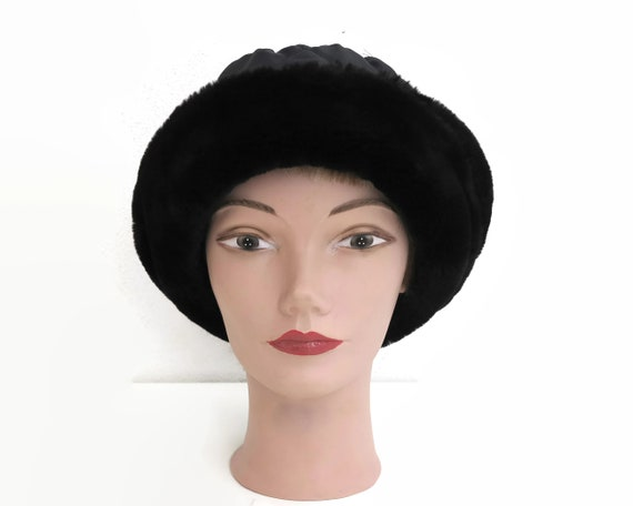 Vintage black winter hat, quilted fabric with black faux fur trim, made in Italy, 22.5 inches / 57cm