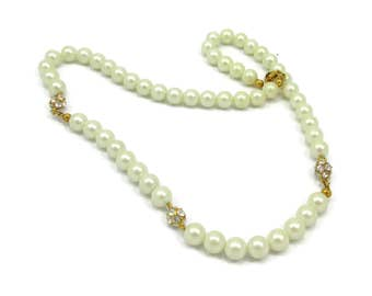AVON Single Strand Pearl Necklace Choker 20 Inches Faux Pearl Bridal Prom Vintage Costume Jewelry Wedding White Beads