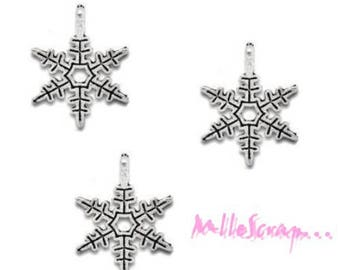 Set of 5 snowflakes Christmas scrapbooking cardmaking 6 charms
