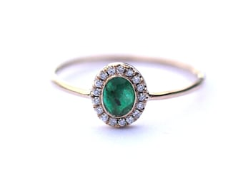 Emerald Ring, Halo Ring, 14k gold ring, Engagement Ring, Wedding ring, Helo Engagement ring, Diamond Engagement ring, Bridal jewelry