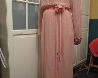 Beautiful large L size 1960s 1970 Miss Elliette pink lace chiffon dress awesome vtg