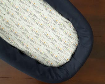 Fitted bassinet sheet, nursery bedding, bassinet sheet, nursery sheet, baby bedding, baby sheet, baby shower gift, baby gift