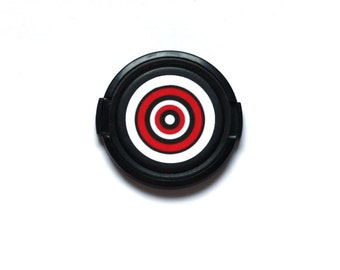 Bulls eye camera lens cap for Canon, Nikon, Fuji, Sony etc. DSLR, Photography gift, photographers gift. Free shipping in North America.