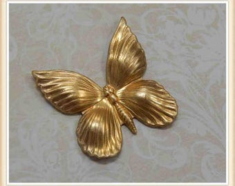 4 pcs  raw brass butterfly stamping embellishment vintage ornament #2193