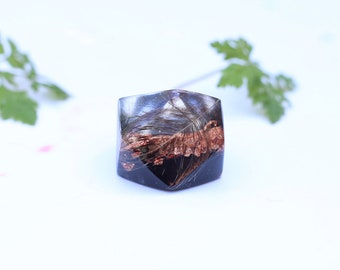 Feather ring, resin ring, metanical ring, copper flakes ring, ladies resin ring, boho ring, ring sparkly, big rings, unique, modern, party