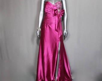 Alluring Crimson  Formal  Evening Gown