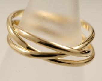 Borromean Rings in 18k Yellow Gold